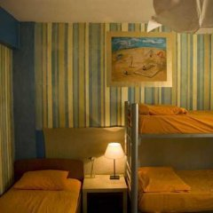 Stray Cat Hostel Кровать в общем номере двухъярусные кровати фото 6