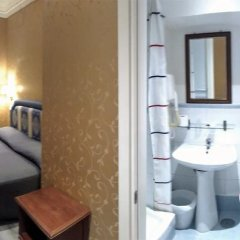 939 Hotel 2* Номер категории Эконом с различными типами кроватей фото 6