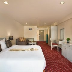 Отель Furama Silom, Bangkok 3* Улучшенный номер с разными типами кроватей