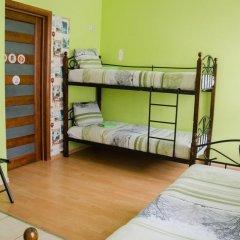 Хостел Trinity & Tours Кровать в общем номере с двухъярусной кроватью фото 22