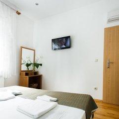 Гостиница Вилла Онейро 3* Номер с общей ванной комнатой с различными типами кроватей (общая ванная комната) фото 7
