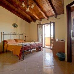 Отель Villa Jolanda & Carmelo Стандартный номер фото 6