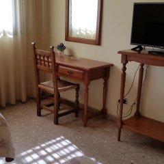 Hotel Reina Isabel Льейда удобства в номере