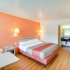 Отель Motel 6 Columbus West 2* Стандартный номер с различными типами кроватей фото 3