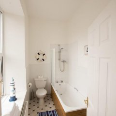 Отель Devon & Cornwall Inn 4* Стандартный семейный номер с различными типами кроватей