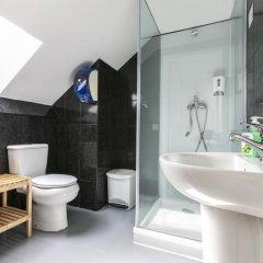 Отель Guest House Porto Clerigus 3* Стандартный номер разные типы кроватей (общая ванная комната) фото 5