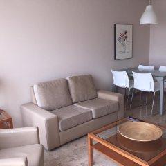 Отель Apartamentos Plaza Picasso Испания, Валенсия - 2 отзыва об отеле, цены и фото номеров - забронировать отель Apartamentos Plaza Picasso онлайн комната для гостей фото 5
