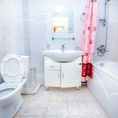 Гостиница Pekin Hotel Казахстан, Атырау - отзывы, цены и фото номеров - забронировать гостиницу Pekin Hotel онлайн ванная