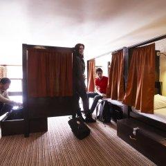 Отель Palmers Lodge Swiss Cottage Кровать в общем номере фото 6