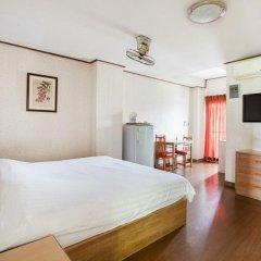 Отель The Aiyapura Bangkok 3* Улучшенный номер с различными типами кроватей фото 7