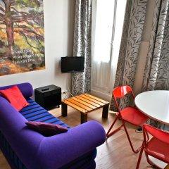 Апартаменты Studio Mezzanine Saint Germain des Près комната для гостей