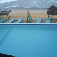 Отель Nippon Villa Beach Resort Хиккадува бассейн фото 2