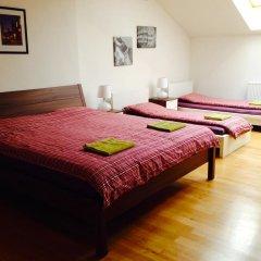 Hostel One Miru Кровать в общем номере с двухъярусной кроватью фото 25