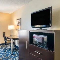 Отель Comfort Inn & Suites near Universal Orlando Resort 2* Стандартный номер с различными типами кроватей фото 5