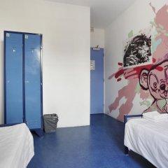 Hans Brinker Hostel Amsterdam Стандартный номер с 2 отдельными кроватями