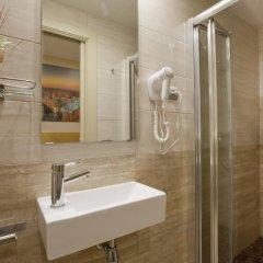Отель Hostal Barcelona Стандартный номер с различными типами кроватей фото 12
