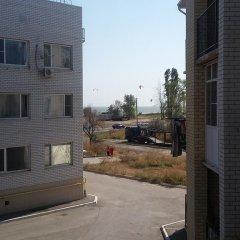 Гостиница Apartamenti na Admirala Kryuysa парковка