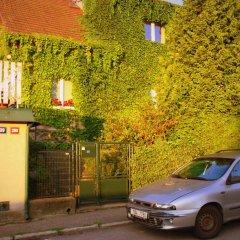Отель Guest House Accueil chez BH Чехия, Прага - отзывы, цены и фото номеров - забронировать отель Guest House Accueil chez BH онлайн парковка