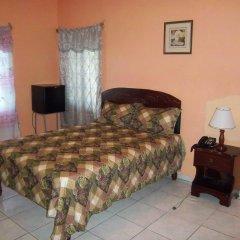 Отель Tropical Court Resort Near Montego Bay Airport 3* Стандартный номер с различными типами кроватей фото 2
