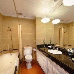 Отель Hoi An Beach Resort 4* Улучшенный номер с различными типами кроватей фото 4