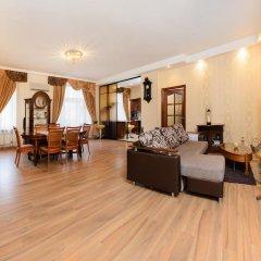 Апартаменты Apartments next to Kazan Cathedral Санкт-Петербург комната для гостей фото 4