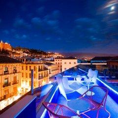 Отель Marquis Hotels Urban бассейн