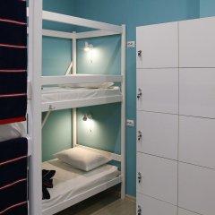 Гостиница Yakor Кровать в общем номере с двухъярусной кроватью фото 8