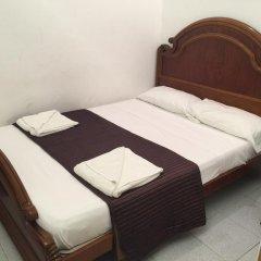 Отель Hostal Mont Thabor Номер категории Эконом с различными типами кроватей фото 2