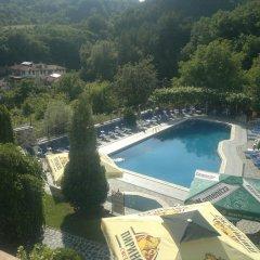 Отель Rozhena Hotel Болгария, Сандански - отзывы, цены и фото номеров - забронировать отель Rozhena Hotel онлайн бассейн фото 2