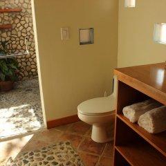 Отель Coral Beach Village Resort Гондурас, Остров Утила - отзывы, цены и фото номеров - забронировать отель Coral Beach Village Resort онлайн ванная фото 2