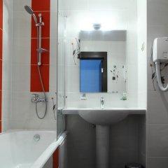 Гостиница Sanatoriy Serebryany Ples в Лунево отзывы, цены и фото номеров - забронировать гостиницу Sanatoriy Serebryany Ples онлайн ванная
