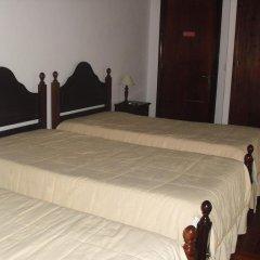 Отель Hospedaria Cardeal Португалия, Понта-Делгада - отзывы, цены и фото номеров - забронировать отель Hospedaria Cardeal онлайн комната для гостей фото 3