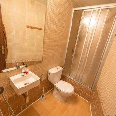 Отель Apartamento Pere Испания, Курорт Росес - отзывы, цены и фото номеров - забронировать отель Apartamento Pere онлайн ванная
