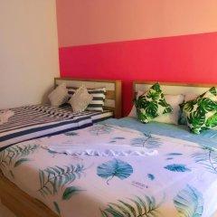 Отель B & L Guesthouse 3* Стандартный семейный номер с разными типами кроватей