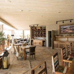 Отель Surfers Lodge Peniche гостиничный бар