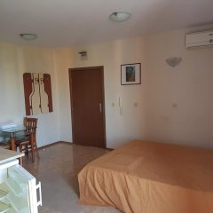 Апартаменты Elite 4 Sunray Apartments Солнечный берег комната для гостей