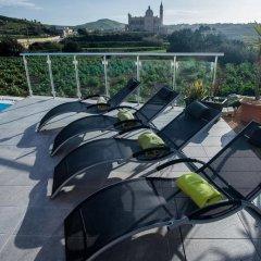 Отель Twilight Holiday Home Мальта, Гасри - отзывы, цены и фото номеров - забронировать отель Twilight Holiday Home онлайн бассейн фото 3