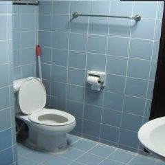 Отель Joe Palace 2* Номер Эконом с разными типами кроватей (общая ванная комната) фото 3