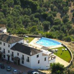 Hotel Rural los Tadeos бассейн
