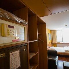 Hotel California Цюрих сейф в номере