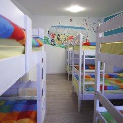 Pozitiv Hostel Кровать в общем номере с двухъярусной кроватью фото 3