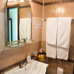 Отель Center Болгария, Пловдив - отзывы, цены и фото номеров - забронировать отель Center онлайн ванная