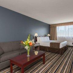 Отель Super 8 Downtown Toronto 2* Улучшенный номер с различными типами кроватей
