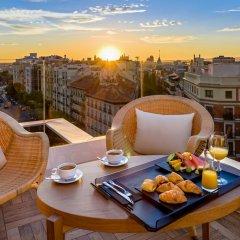 Отель H10 Puerta de Alcalá 4* Стандартный номер с двуспальной кроватью фото 5