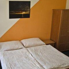 AZ-Hostel Стандартный номер с двуспальной кроватью (общая ванная комната) фото 3