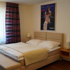Отель U Tri Pstrosu Прага комната для гостей фото 5