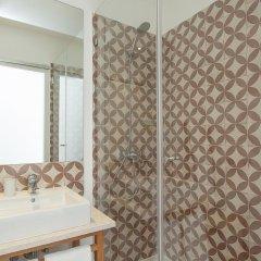 Отель Lisbon Old Town Guest House 3* Люкс с различными типами кроватей фото 22