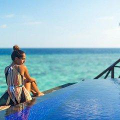 Отель Sun Aqua Vilu Reef бассейн фото 3
