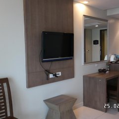 Отель Pattaya Loft Hotel Таиланд, Паттайя - отзывы, цены и фото номеров - забронировать отель Pattaya Loft Hotel онлайн удобства в номере фото 2