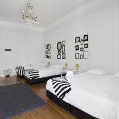 Отель Typical Lisbon Guest House Стандартный номер с различными типами кроватей фото 11